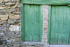Maisons vertes de porte, en bois et de pierre dans la province de Zamora dans S Photos stock