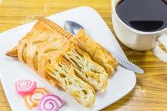 Maistorte und -Tasse Kaffee Lizenzfreies Stockbild