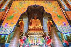 Maitreya buddha staty på den Xiangfu templet Royaltyfri Foto