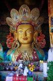 Maitreya Buddhastaty på Hemis Gompa Arkivbild