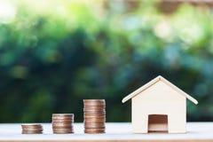 Majątkowa inwestycja, kredyt mieszkaniowy, dom hipoteka, osiadły financ zdjęcie royalty free