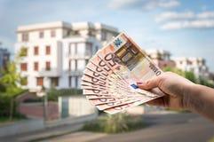 Majątkowego nabywcy mienia euro banknoty - nieruchomości pojęcie Zdjęcie Stock