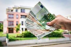 Majątkowego nabywcy mienia euro banknoty - nieruchomości pojęcie Obrazy Stock