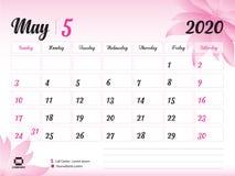 Maj 2020 årsmall, kalender2020 vektor, design för skrivbordkalender, rosa blommabegrepp för skönhetsmedel, skönhet, brunnsort, af royaltyfri illustrationer