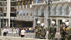 Maj 31 2016 Ateny, Grecja Siły policyjne kontroluje sytuację z protestującymi w Ateny zbliżeniu zbiory wideo