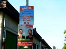 Maj 26 EU-valdag i Budapest, Ungern politiska gatabanerannonser royaltyfri fotografi