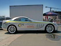 14 Maj 2011 Kiev Ukraina; Mercedes-Benz SLR McLaren Automatisk med nummer 'GPS ', royaltyfria foton