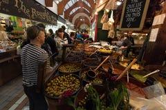 Maj 20th, 2017, korek, Irlandia - angielszczyzny Wprowadzać na rynek, miejski jedzenie rynek w centre korek Zdjęcia Stock