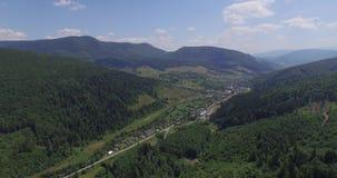 Majestätische Berge in 4K (von der Luft) stock footage