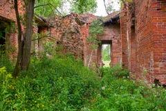 Majestätische Ruinen von Ställen und von Hauptsitzen von Husaren Stockbilder