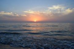 Majestätischer Sonnenuntergang lizenzfreie stockbilder
