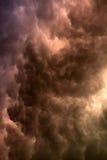 Majestätischer Sturm über der Straße von Odessa nach Kiew Lizenzfreies Stockfoto