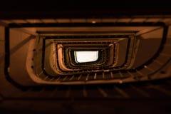 Majestätisches Treppenhaus in Saloniki, Griechenland lizenzfreie stockfotografie