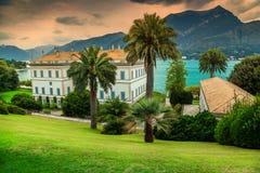 Majestätisk dekorativ trädgård med villan Melzi i Bellagio, Italien, Europa arkivfoton