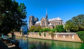 Majestätisk domkyrka Notre Dame Royaltyfri Fotografi