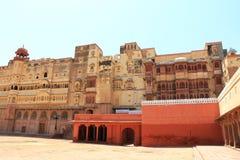 Majestätisk röd fortbikaner Indien Arkivbilder