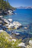 Majestätisk Shoreline av Lake Tahoe Royaltyfria Foton