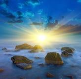 majestätisk solnedgång Arkivfoto