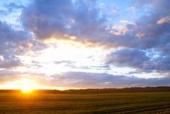 majestätisk solnedgång royaltyfri fotografi