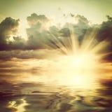 majestätisk solnedgång royaltyfria bilder