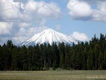majestätiskt berg arkivfoton