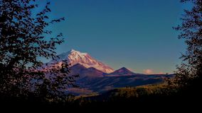 Majesté pourprée de montagnes photos libres de droits