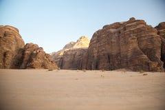 Majestatyczna góry pustynia wadiego rum w Jordania Obraz Stock