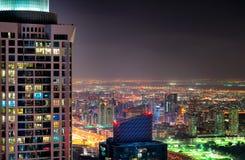 Majestatyczna kolorowa Dubai marina linia horyzontu podczas nocy arabski Dubai emiratów marina jednoczący Obraz Stock