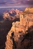 Majestatycznego zmierzchu obręcza Uroczystego jaru Południowy park narodowy Arizona fotografia royalty free
