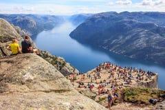 Majestatyczny Panoramiczny lato widok światowa sławna Preikestolen kaznodziei ` s ambona lub ambona Fotografia Stock
