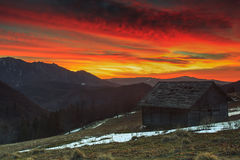 Majestatyczny wschód słońca w górach, Ciucas, Transylvania, Rumunia Obraz Royalty Free