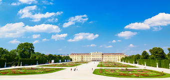 Majestic Schonbrunn palace Royalty Free Stock Photography