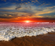 Majestic sunset over ocean shore Royalty Free Stock Photography