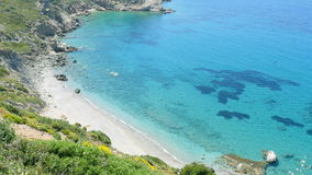 majestueus leeg turkoois strand, hoge hoekmening, knidos, datca, Turkije stock video