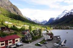 Majestueuze Bergen en Valleilandschap, Noorwegen royalty-vrije stock afbeeldingen