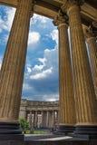 Majestueuze colonnade van de Kazan Kathedraal Royalty-vrije Stock Foto's