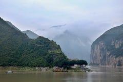 Majestueuze Drie Kloven en Yangtze-Rivier in Hubei-provincie in China stock foto