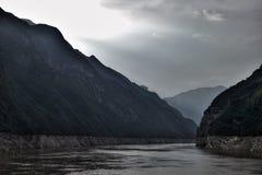 Majestueuze Drie Kloven en Yangtze-Rivier in Hubei-provincie in China stock afbeelding