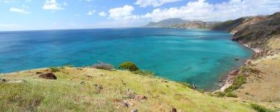 Majestueuze kustlijn van Heilige Kitts stock afbeeldingen
