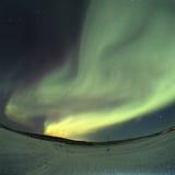 Majestueuze noordelijke lichten in de hemel stock afbeeldingen