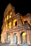 Majestueuze oude Colosseum 's nachts in Rome, Italië Royalty-vrije Stock Afbeelding