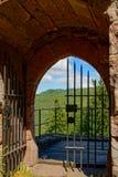 Majestueuze ruïnes van middeleeuws kasteel Birkenfels, de Elzas royalty-vrije stock foto