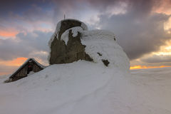 Majestueuze zonsondergang in de Bucegi-bergen, de Karpaten, Roemenië Royalty-vrije Stock Foto's