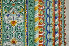 Majolique de Yaroslavl Tuiles de cathédrale d'hypothèse image stock