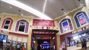 Major Cineplex é o operador o maior dos cinemas em Tailândia A metragem que mostra a parte dianteira do teatro filme