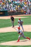 Major League Baseball - cabeceo de Maness de los cardenales imagenes de archivo