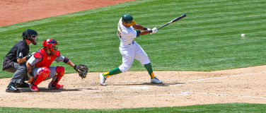 Major League Baseball - Chris Young Hits la bola fotografía de archivo