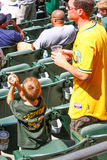 Major League Baseball - padre e hijo en un juego foto de archivo libre de regalías