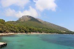 Majorca - ωκεάνια άποψη παραλιών βουνών των Βαλεαρίδων Νήσων Στοκ φωτογραφίες με δικαίωμα ελεύθερης χρήσης