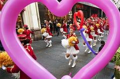 MAJORETTES od Montenegro tana wykonującego na cześć wiosnę Zdjęcia Royalty Free